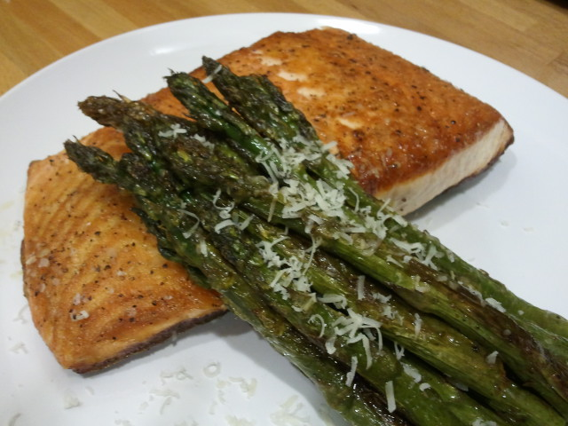 Gluten Free Seared Salmon and Asparagus
